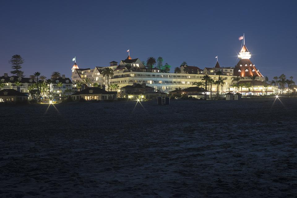 Hotel-Del-From-Beach-at-Night-DSC00008s.jpg