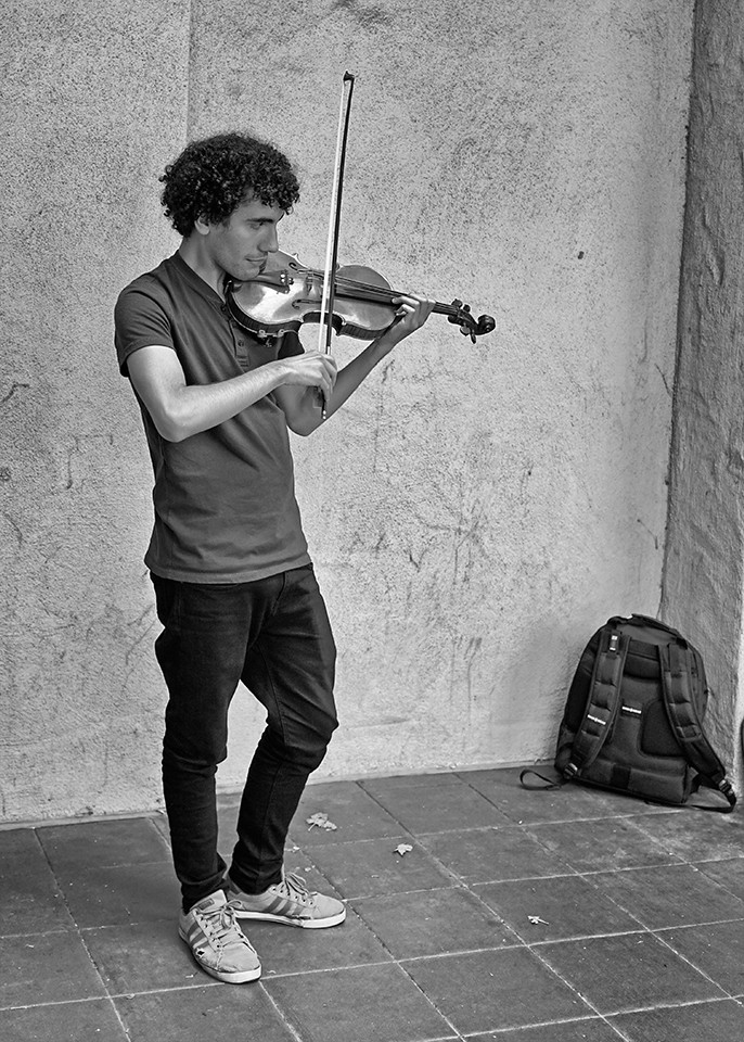 Ayrton Pisco violin student from Brasil - ask him to play Por una Cabeza